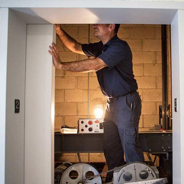 آموزش تعمیرات و سرویس نگهداری آسانسور